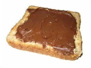 toast bread with nutella spread
